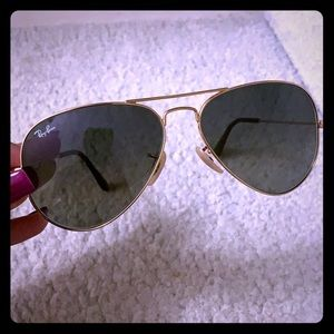Ray ban aviators with gold frame